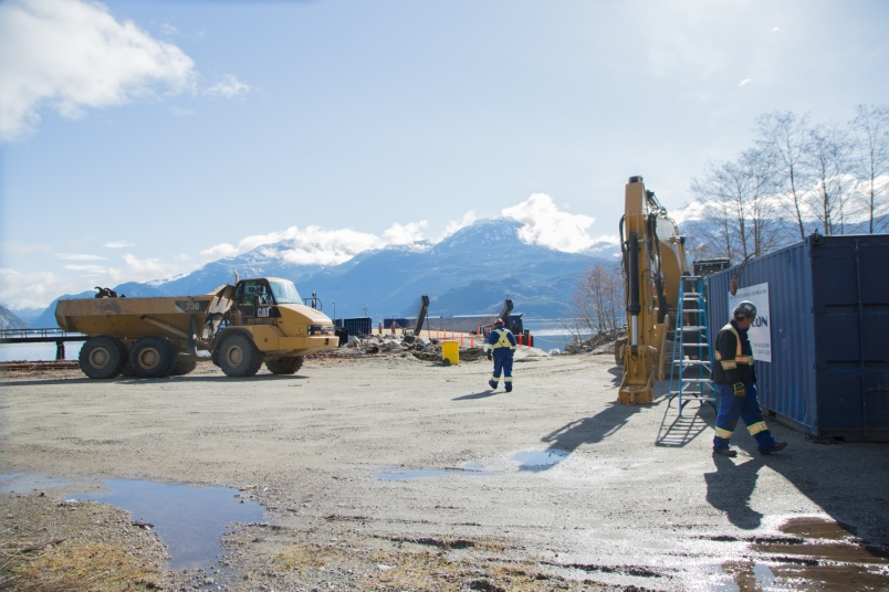 Wlng site construction